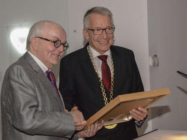 Robert Simon jetzt Celler Ehrenbürger