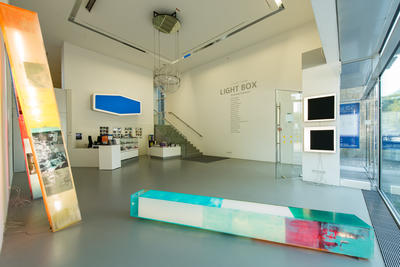 Foyer Kunstmuseum_Schwer_vonMonkiewitsch_Pflumm_Foto@Thomas Langreder
