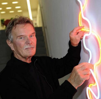 Bildhauer-Energie zwischen Plus und Minus