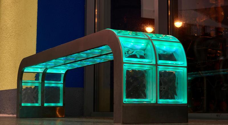 Licht-Kunst-Bänke