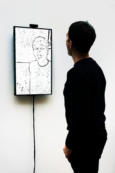 Christa Sommerer & Laurent Mignonneau, Portrait on the Fly, 2015