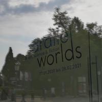 Parallel Worlds Ausstellungsankündigung